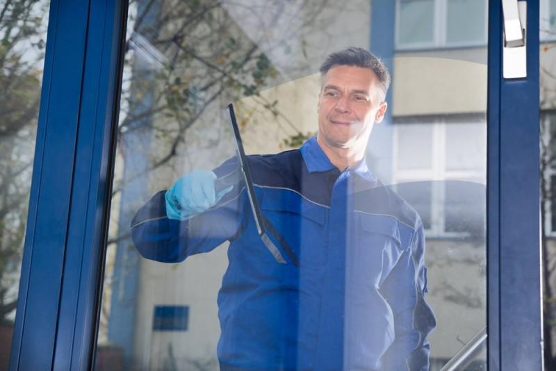 En vinduespudser kan spare dig for mange timers arbejde