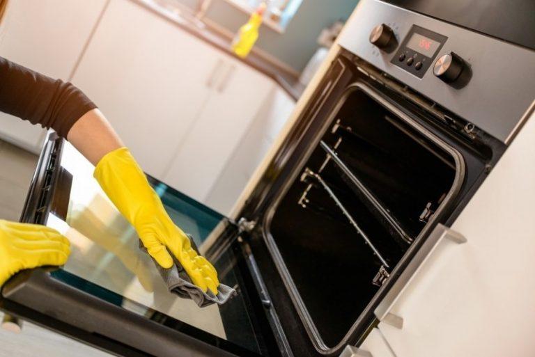 3 enkle trin: Så let får du ovnen ren