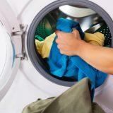 Lugter vaskemaskinen? Rens vaskemaskinen og undgå den sure lugt
