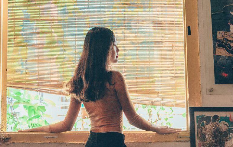 Undgå lugte og indbrudstyve med intelligente gardiner